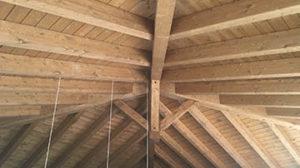 Estructuras y cubiertas de madera mecanizada en kit